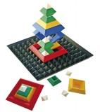 Piramiden puzzel met bodemplaat